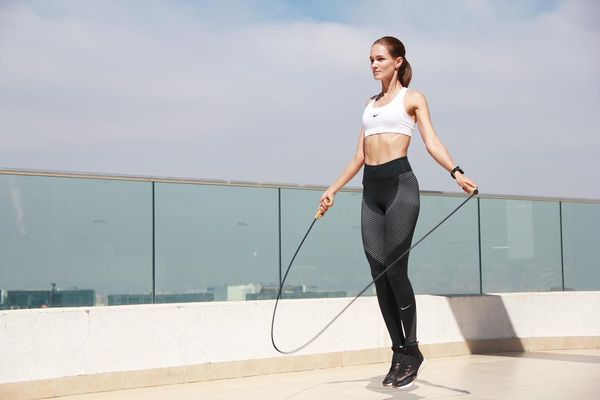 Fashion Womens Running Apparel to Do Your Best