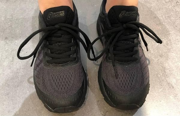 ASICS GEL KAYANO 24 BLACK on feet