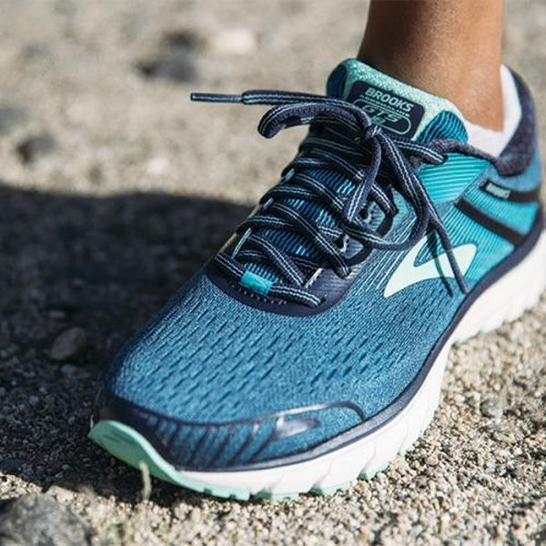 Brooks Adrenaline GTS Narrow on Feet