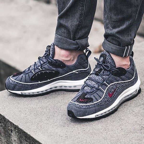 online store 9736f c340e Nike Air Max 98 Thunder Blue on foot ...