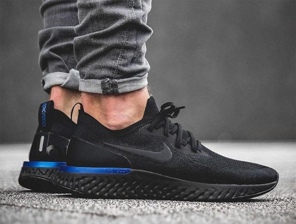Nike Epic React Flyknit Triple Black on feet