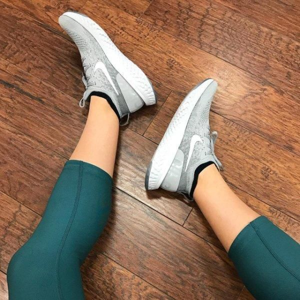 Nike Epic React Flyknit Grey on feet