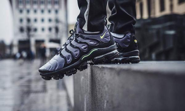 Nike Air VaporMax Plus Black on feet