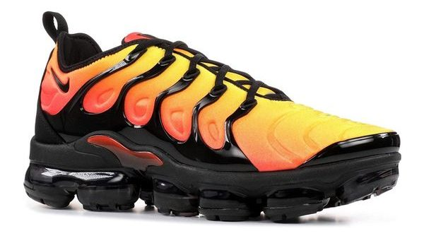 NIKE AIR VAPORMAX PLUS ORANGE