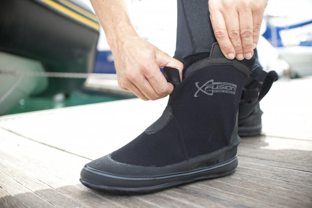 Dive boots1