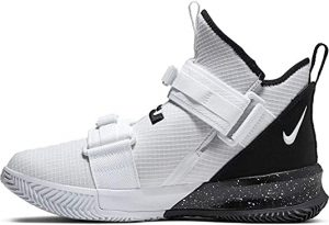 Nike Men's Lebron Soldier XII SFG Basketball Shoes
